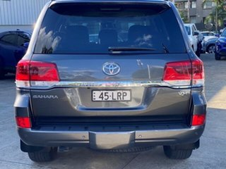 2017 Toyota Landcruiser VDJ200R MY16 Sahara (4x4) Graphite 6 Speed Automatic Wagon.
