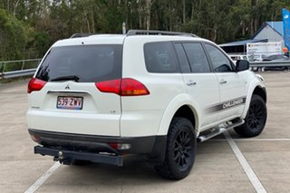 2010 Mitsubishi Challenger PB LS (7 Seat) (4x4) White 5 Speed Automatic Wagon.