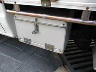 2005 Mazda Bravo 4x2 White 5 Speed Manual Utility