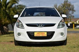 2010 Hyundai i20 PB Active White 5 Speed Manual Hatchback.