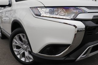 2020 Mitsubishi Outlander ZL MY21 ES 2WD White Solid 6 Speed Constant Variable Wagon.