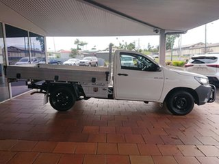 Hilux 4x2 Workmate 2.7L Petrol Manual Single Cab C/C 1Y20150 001.