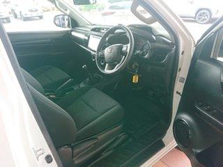 Hilux 4x2 Workmate 2.7L Petrol Manual Single Cab C/C 1Y20150 001