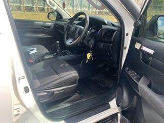 Hilux 4x4 SR 2.8L T Diesel Manual Double Cab C/C 1Y46270 003
