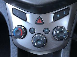 2016 Holden Barina TM MY16 CD Summit White 5 Speed Manual Hatchback