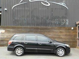 2005 Holden Astra AH MY06 CD Black 5 Speed Manual Wagon.