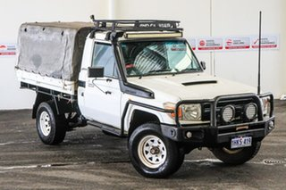 2008 Toyota Landcruiser VDJ79R Workmate (4x4) French Vanilla 5 Speed Manual Cab Chassis.