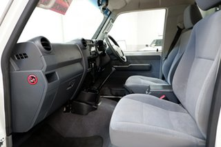 2017 Toyota Landcruiser VDJ79R GX White 5 Speed Manual Cab Chassis