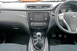 2016 Nissan X-Trail T32 ST 2WD White 6 Speed Manual Wagon
