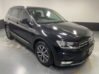 2016 Volkswagen Tiguan 5N MY17 110TSI DSG 2WD Comfortline Deep Black Pearl Effect 6 Speed.