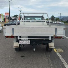 2004 Toyota Hilux VZN172R MY02 Xtra Cab White 5 Speed Manual Utility