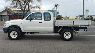 2004 Toyota Hilux VZN172R MY02 Xtra Cab White 5 Speed Manual Utility.