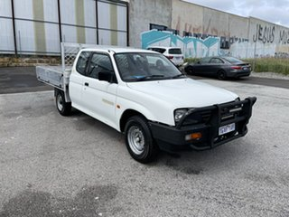 1998 Mitsubishi Triton MK GLX White 5 Speed Manual Club Cab Utility.