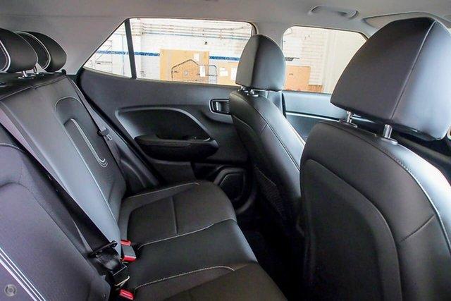 Demo Hyundai Venue QX.V3 MY21 Active Oakleigh, 2021 Hyundai Venue QX.V3 MY21 Active White 6 Speed Automatic Wagon