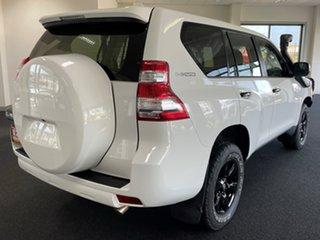 2016 Toyota Landcruiser Prado GDJ150R GX White 6 Speed Manual Wagon.