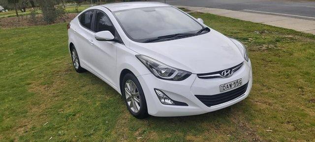 Used Hyundai Elantra MD3 SE Wodonga, 2015 Hyundai Elantra MD3 SE White 6 Speed Sports Automatic Sedan