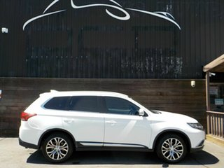 2017 Mitsubishi Outlander ZK MY18 LS AWD Safety Pack White 6 Speed Constant Variable Wagon.