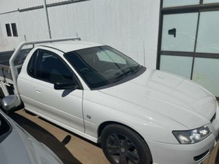2005 Holden Commodore VZ One Tonner S 4 Speed Automatic Cab Chassis.