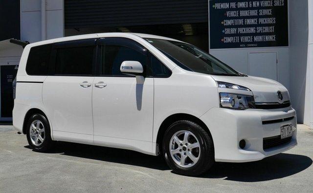 Used Toyota Voxy Capalaba, 2012 Toyota Voxy ZRR70 White Automatic Van