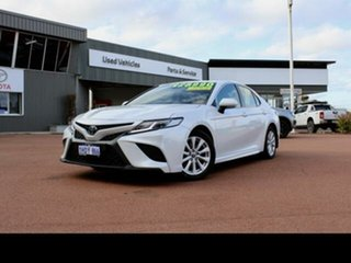 2018 Toyota Camry CAMRY 2.5L PET 6AT ASCENT SPORT 2V62150 002 Frosted White Automatic Sedan.