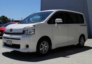 2012 Toyota Voxy ZRR70 White Automatic Van.