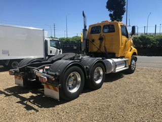 2009 Sterling L9500 Yellow Prime Mover