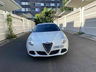 2014 Alfa Romeo Giulietta Series 0 MY13 Distinctive TCT JTD-M White 6 Speed.