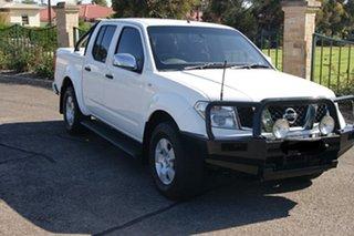 2007 Nissan Navara D40 ST-X (4x4) White 6 Speed Manual Dual Cab Pick-up.