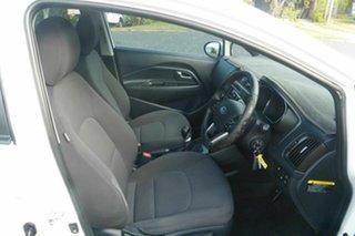 2012 Kia Rio UB MY12 SLi White 6 Speed Manual Hatchback