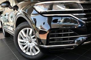 2021 Volkswagen Touareg CR MY22 170TDI Tiptronic 4MOTION Deep Black Pearl Effect 8 Speed.