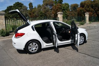 2012 Holden Cruze JH MY12 CD White 6 Speed Automatic Hatchback