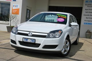 2005 Holden Astra AH CDX White 4 Speed Automatic Hatchback.