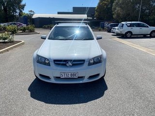 2008 Holden Commodore VE Omega White 4 Speed Automatic Sedan.