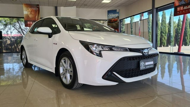 Pre-Owned Toyota Corolla ZWE211R Ascent Sport E-CVT Hybrid Wonthaggi, 2018 Toyota Corolla ZWE211R Ascent Sport E-CVT Hybrid White 10 Speed Constant Variable Hatchback