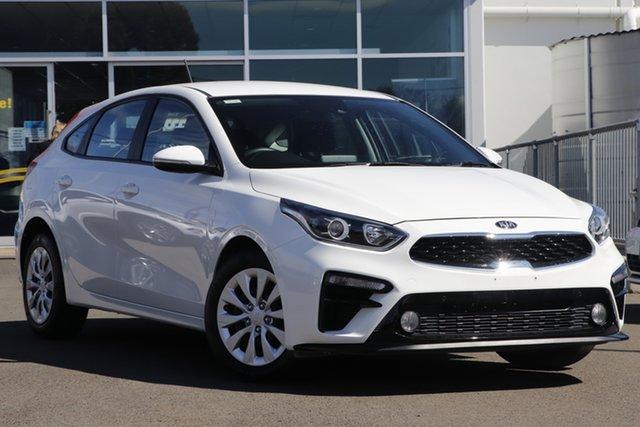 Used Kia Cerato BD MY21 S Toowoomba, 2020 Kia Cerato BD MY21 S White 6 Speed Sports Automatic Hatchback