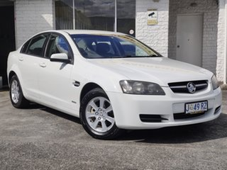 2010 Holden Commodore VE MY10 Omega White 6 Speed Sports Automatic Sedan.