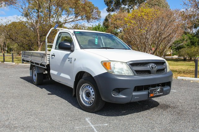 Used Toyota Hilux GGN15R MY05 SR 4x2 Lonsdale, 2005 Toyota Hilux GGN15R MY05 SR 4x2 White 5 Speed Manual Cab Chassis