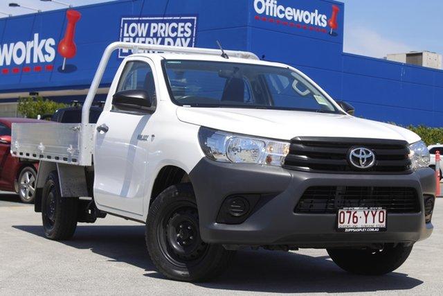 Used Toyota Hilux TGN121R Workmate 4x2 Aspley, 2017 Toyota Hilux TGN121R Workmate 4x2 White 5 Speed Manual Cab Chassis