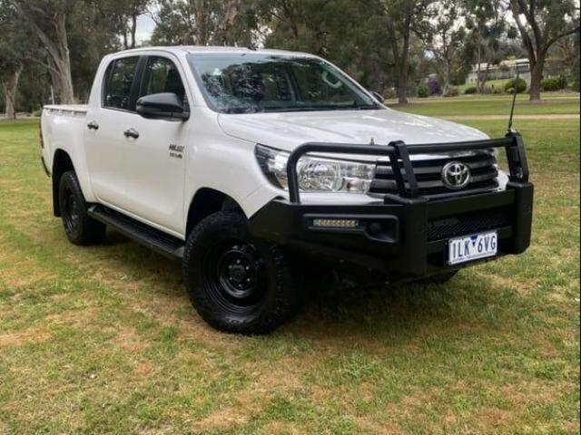 Used Toyota Hilux GUN126R MY17 SR (4x4) Wangaratta, 2017 Toyota Hilux GUN126R MY17 SR (4x4) Glacier White 6 Speed Automatic Dual Cab Utility