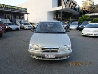 2004 Hyundai Trajet GL Gold 4 Speed Automatic Wagon.