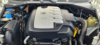 2008 Volkswagen Touareg 7L MY08 R5 TDI 4XMOTION White 6 Speed Sports Automatic Wagon.