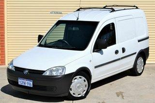 2005 Holden Combo XC MY05 White 5 Speed Manual Van.