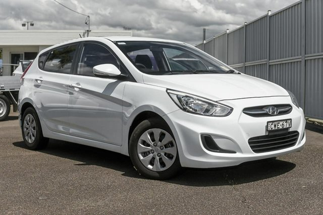 Used Hyundai Accent RB2 MY15 Active North Gosford, 2014 Hyundai Accent RB2 MY15 Active White 6 Speed Manual Hatchback