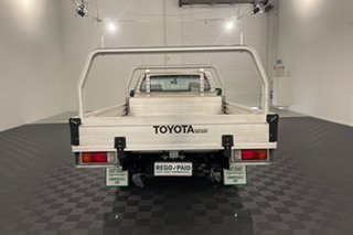2015 Toyota Hilux KUN16R MY14 SR 4x2 White 5 speed Manual Cab Chassis