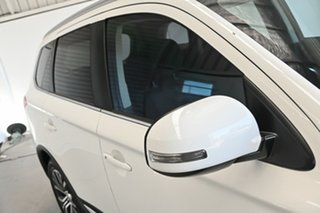 2017 Mitsubishi Outlander ZK MY17 LS 2WD White 5 Speed Manual Wagon.