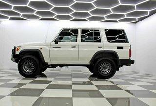 2017 Toyota Landcruiser VDJ76R MY18 Workmate (4x4) White 5 Speed Manual Wagon