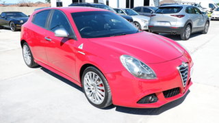 2013 Alfa Romeo Giulietta Series 0 MY12 Distinctive Red 6 Speed Manual Hatchback.