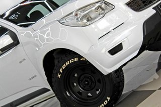 2013 Holden Colorado RG MY14 LX (4x2) White 6 Speed Manual Crew Cab Chassis.