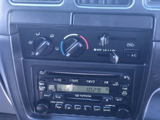 2004 Toyota Hilux KZN165R MY04 SR5 White 5 Speed Manual Utility