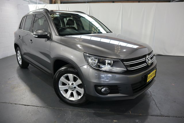 Used Volkswagen Tiguan 5N MY14 132TSI DSG 4MOTION Pacific Castle Hill, 2013 Volkswagen Tiguan 5N MY14 132TSI DSG 4MOTION Pacific Grey 7 Speed Sports Automatic Dual Clutch